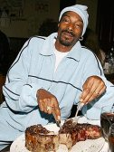 I'd put money on it that Snoop's steak is made of weed.